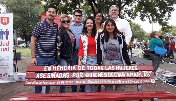 Banco Rojo por las mujeres asesinadas