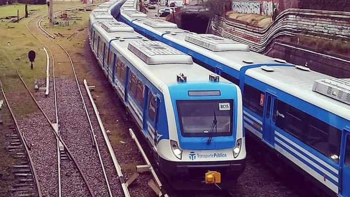 Ferrocarril Sarmiento ahora con demoras