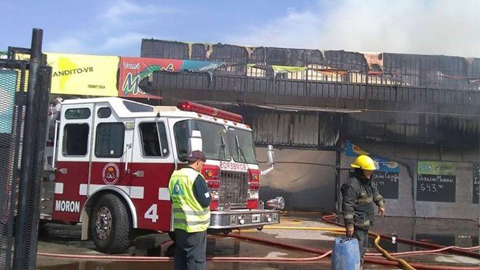 Bomberos de Morón apagan incendio