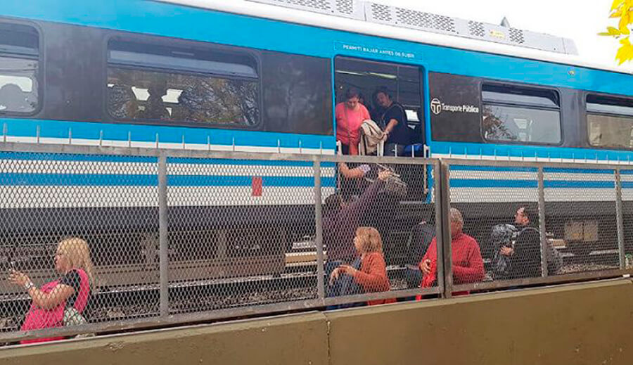 Ahora Tren Sarmiento con Demoras