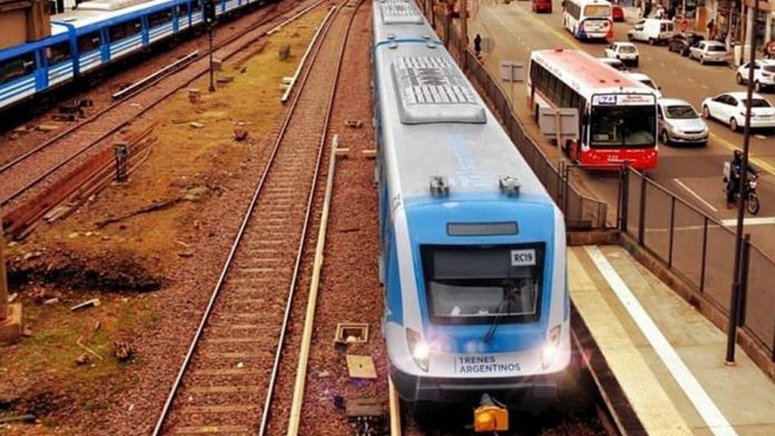 Tren Sarmiento ahora con demoras
