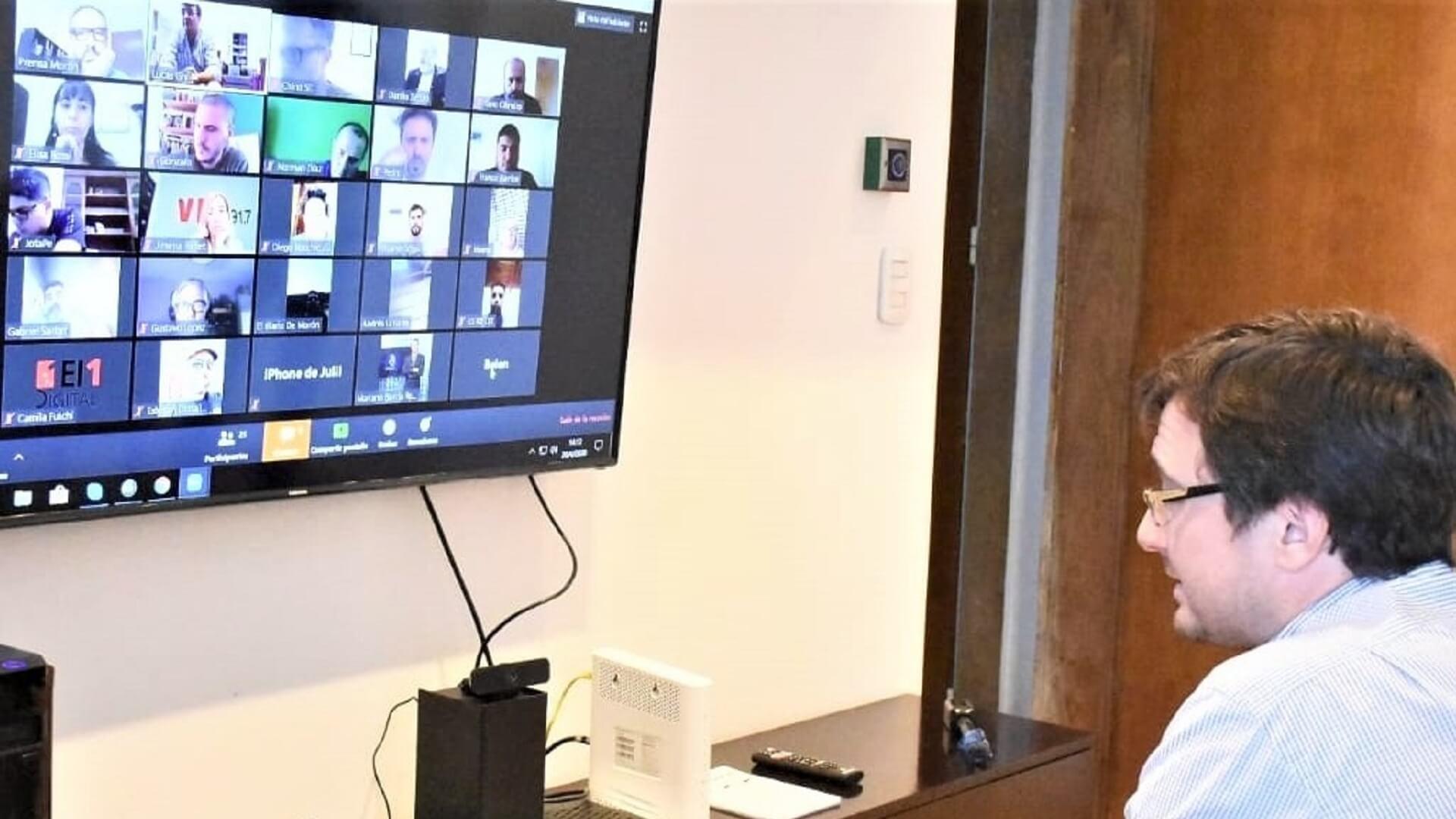 Morón: Videoconferencia de