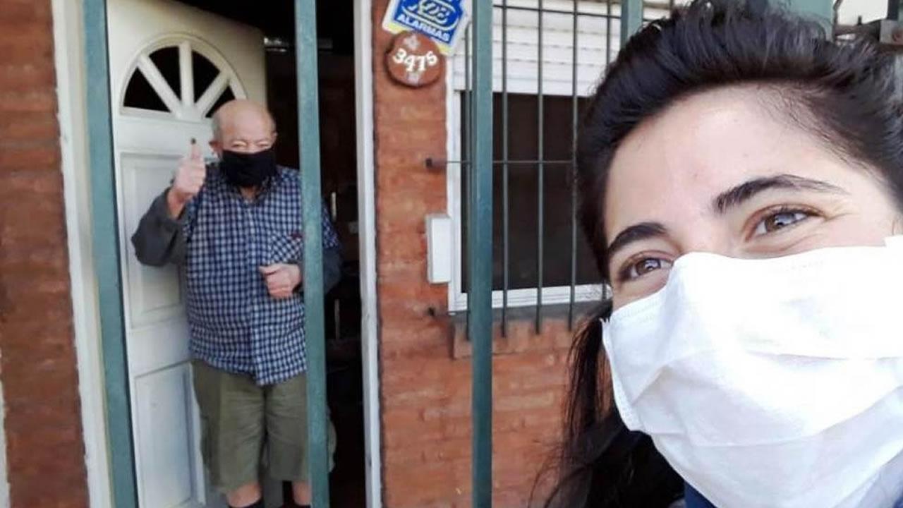 Voluntarios en Morón: ya son 400 y asisten a los vecinos