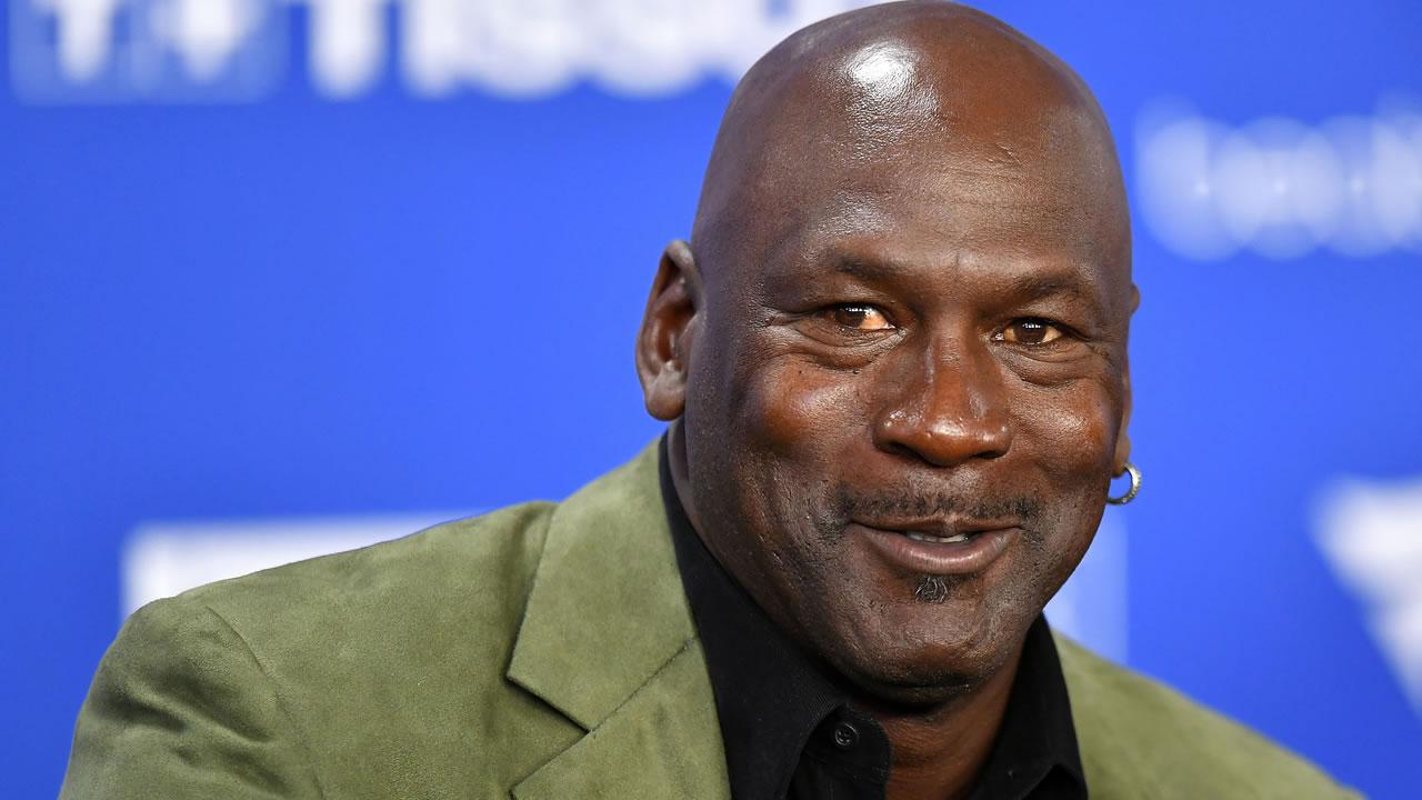 Michael Jordan ganó otra fortuna por documental en Netflix