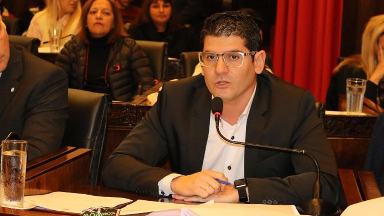 Morón: Concejo deliberante aceptó la renuncia de edil macrista