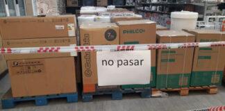 Intendentes quieren que sólo se vendan productos esenciales