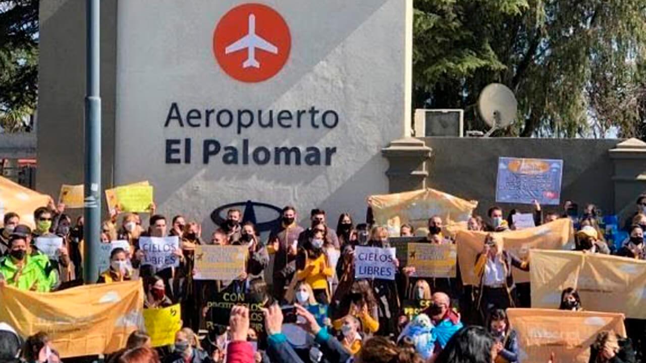 El Palomar: Trabajadores de Flybondi y JetSmart