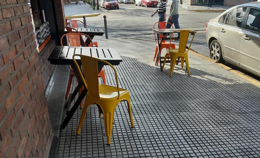 Hurlingham con mesas