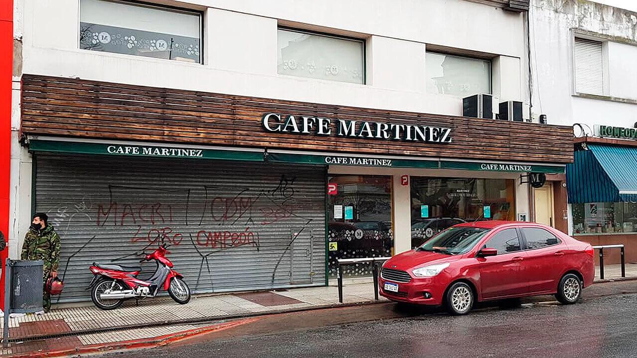 Morón: Cerró Café Martínez