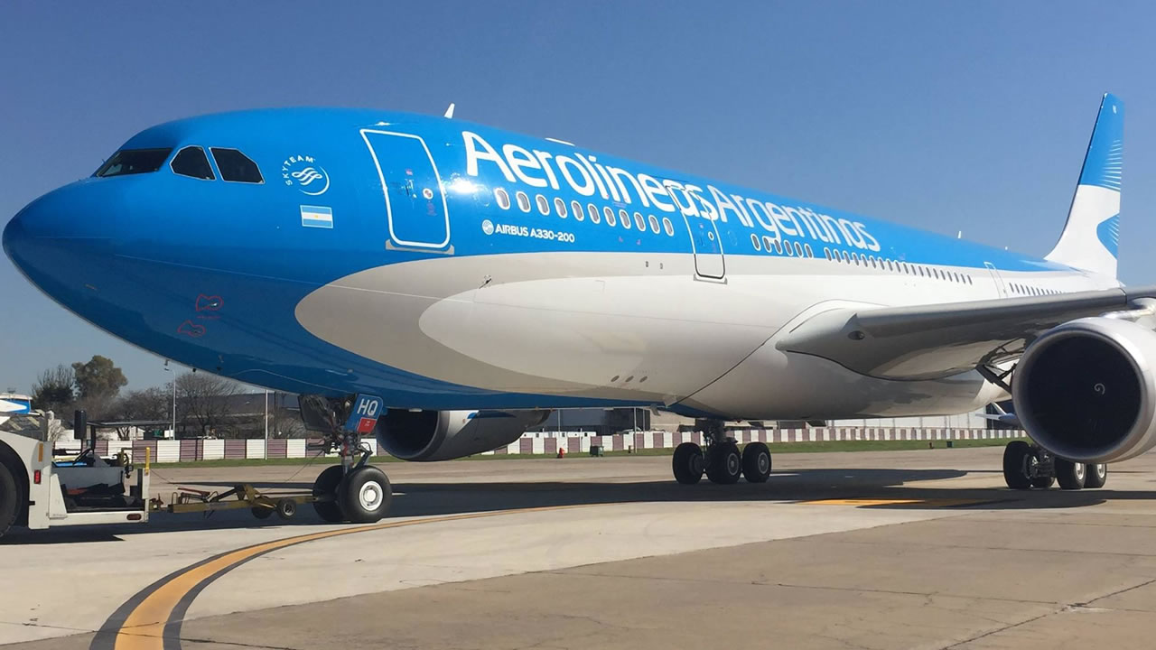 Regresan los vuelos de media y larga distancia pero no para el turismo