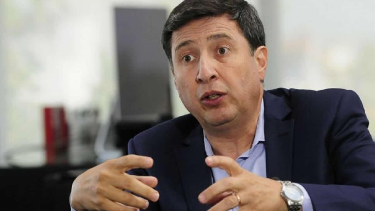 Nació en Castelar y es Ministro de la Nación