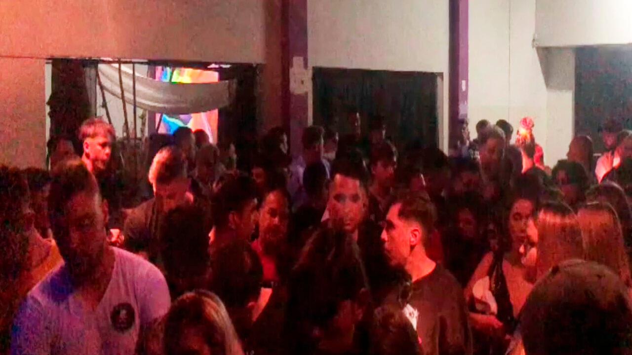 Video: Así es una Fiesta Clandestina organizada por WhatsApp