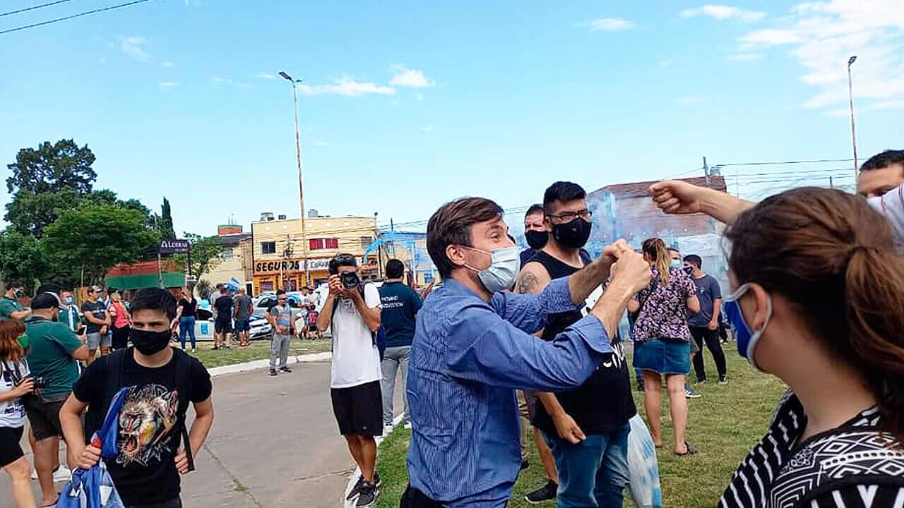 Morón: Multitudinaria Caravana en el Día del Militante