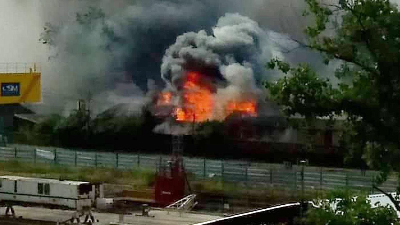 Ahora Haedo Brutal Incendio en el Ramal Ferroviario
