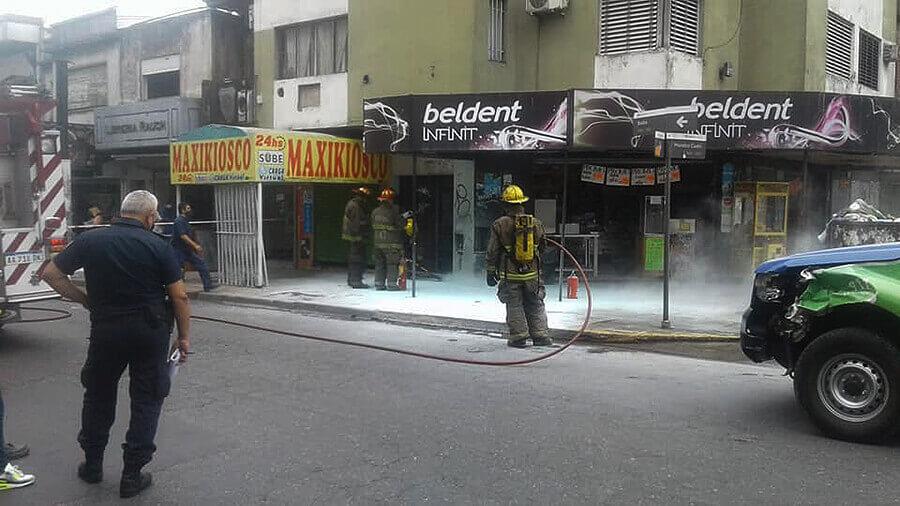 Un medidor que se prendió fuego, fue apagado por los Bomberos