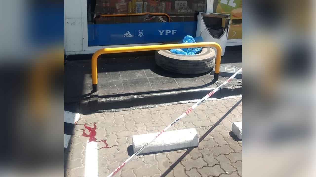 Por un accidente salió disparada una rueda contra el cuerpo de una joven