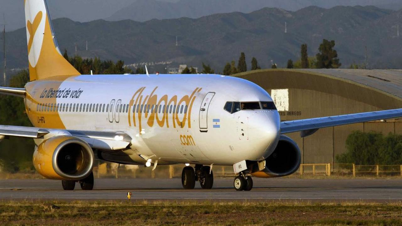 Flybondi pidió un permiso para volar desde el 9 de diciembre