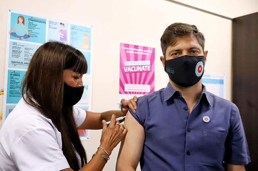 Un médico de Morón fue el primer vacunado