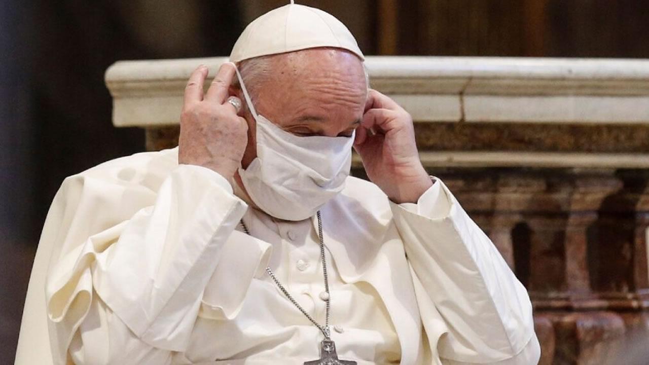 El Papa Francisco se hizo el hisopado por coronavirus