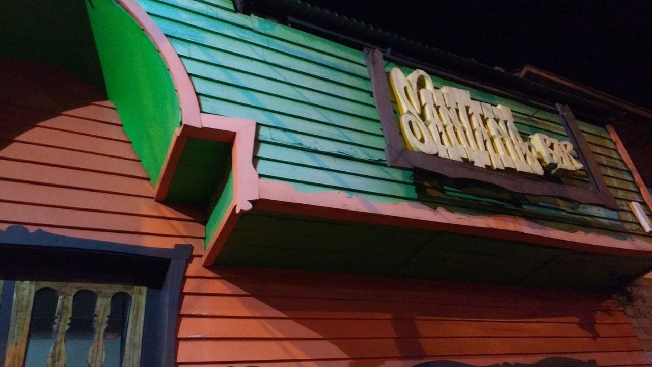 Cierra Santana Bar