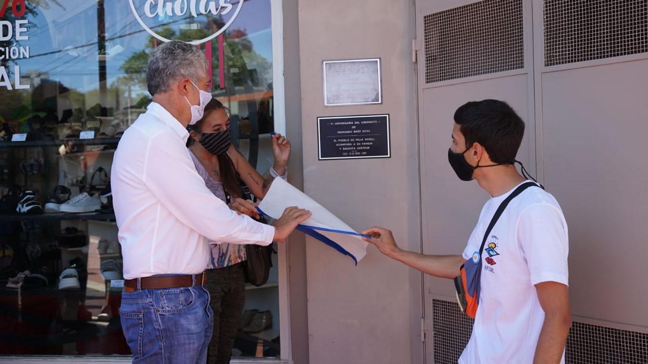 Rugbiers asesinos: colocan placa en homenaje a Baez Sosa frente al boliche donde lo mataron
