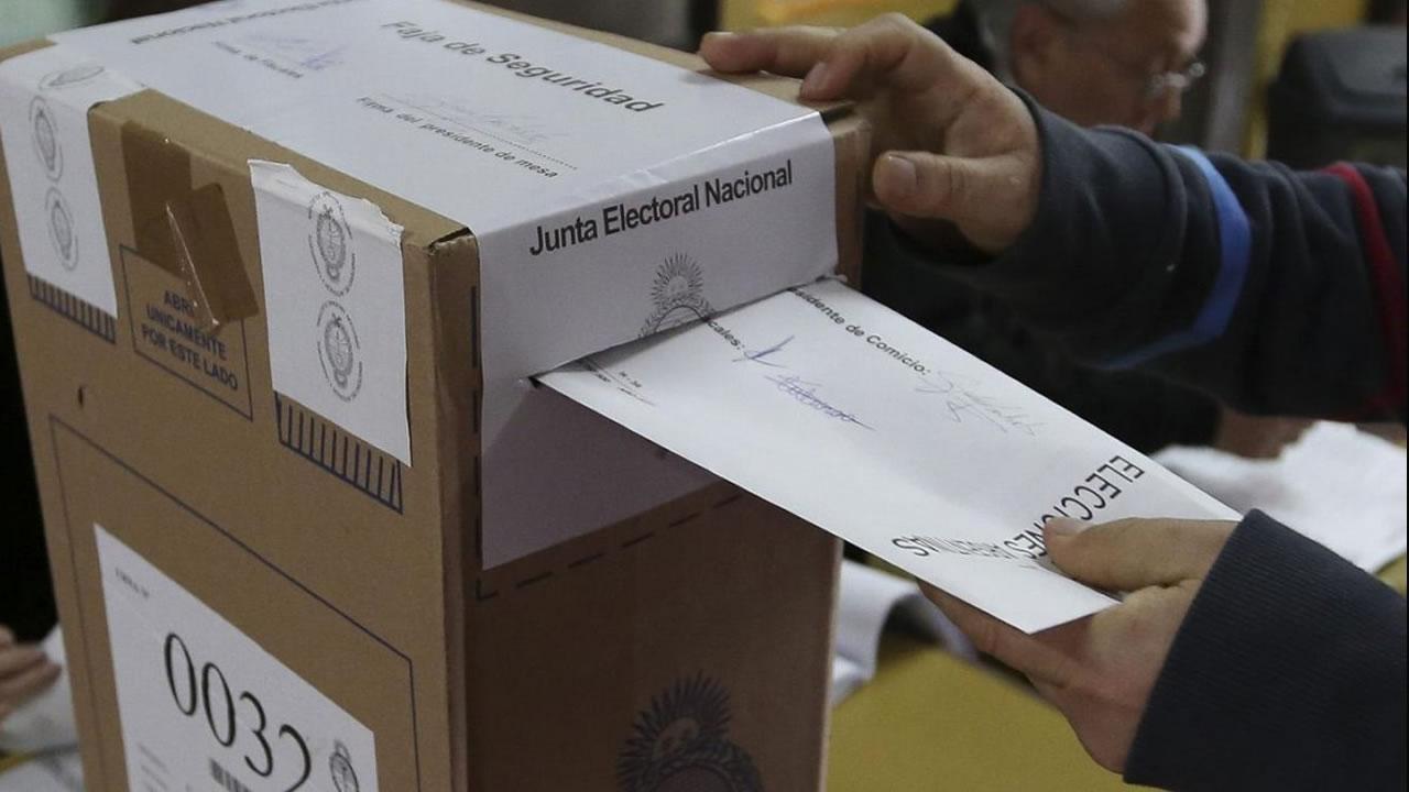 Famosos que hacen política y podrían ser candidatos ¿quiénes son?