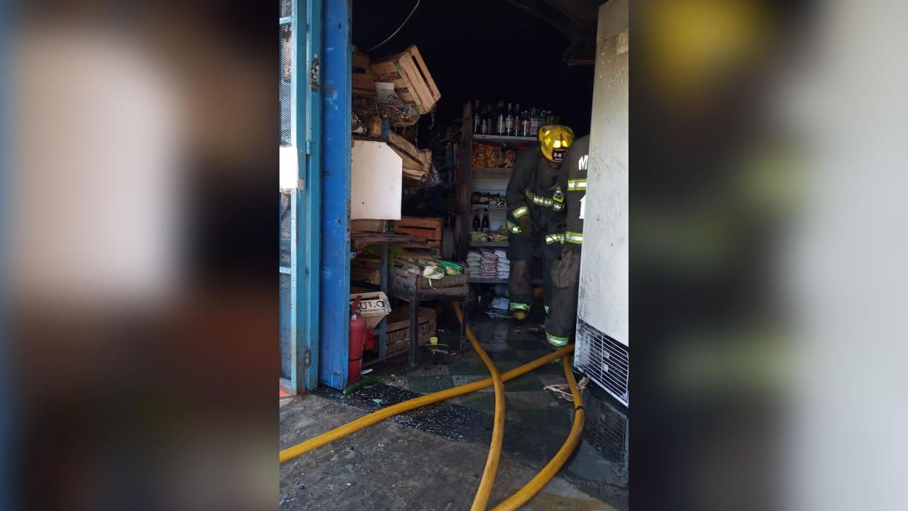 Ahora El Palomar: Incendio arrasa supermercado chino