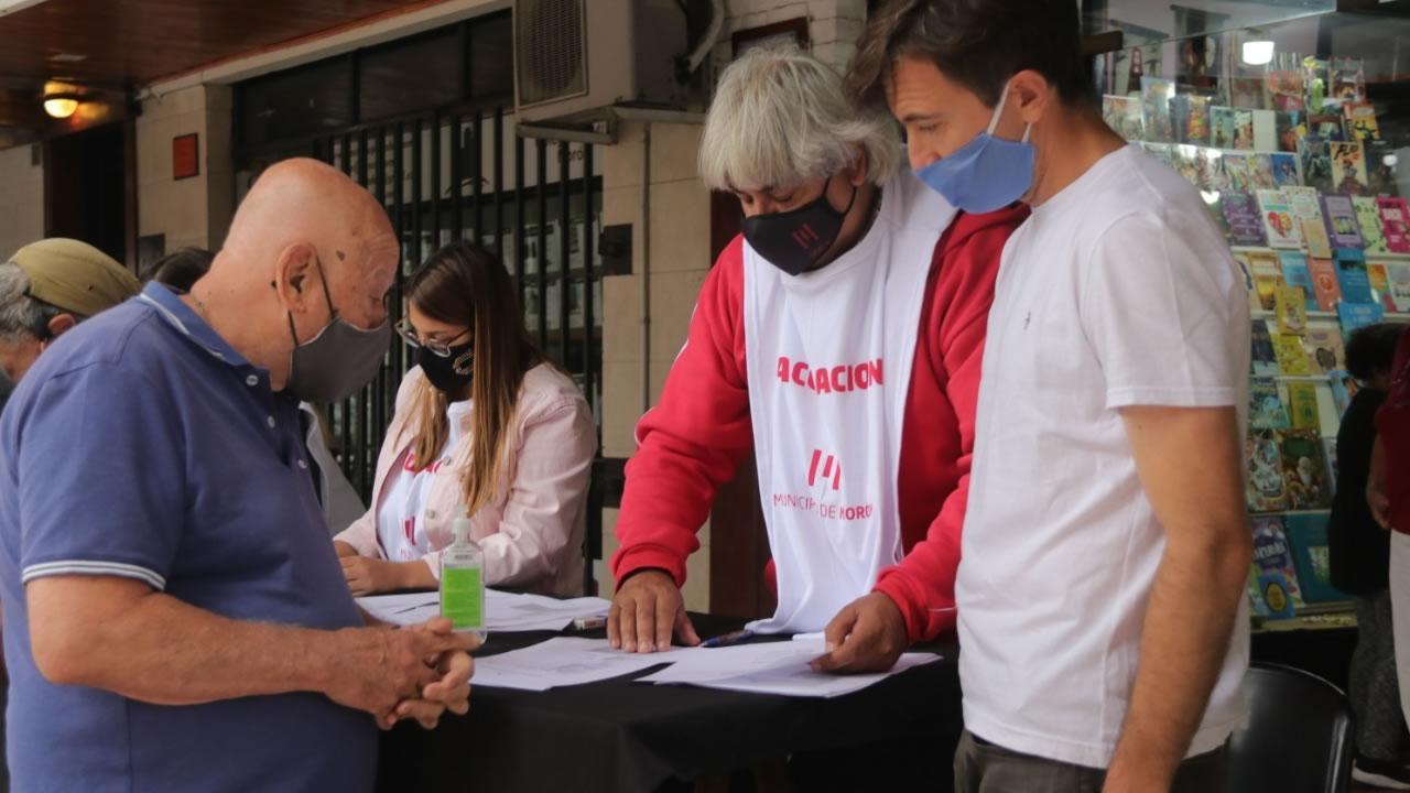 Morón: siguen los puestos de asistencia para la preinscripción de la vacuna contra Covid-19