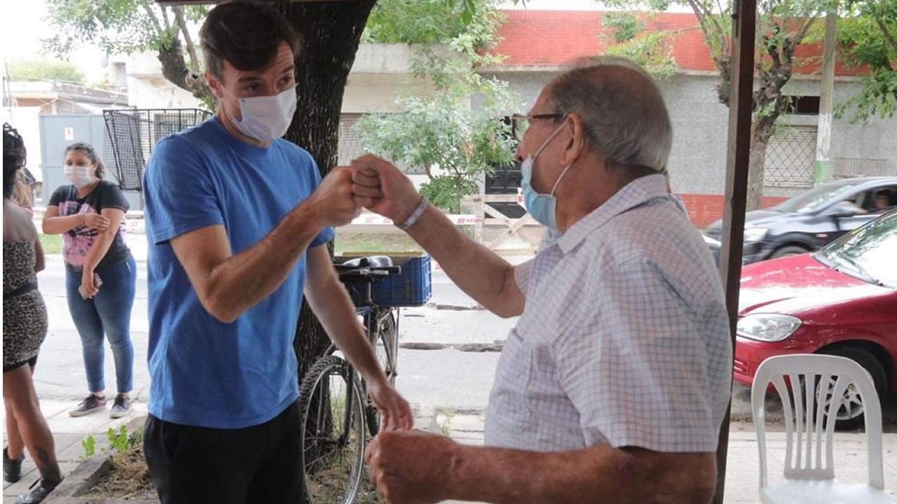 Morón continúa la asistencia para la preinscripción de la vacuna