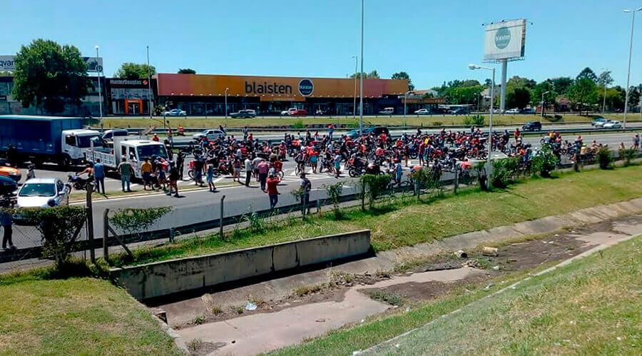 Ituzaingó: por el repartidor baleado no hubo ni una palabra del gobierno local