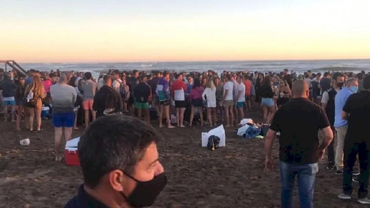 ¿Adonde cerraron una playa por coronavirus?
