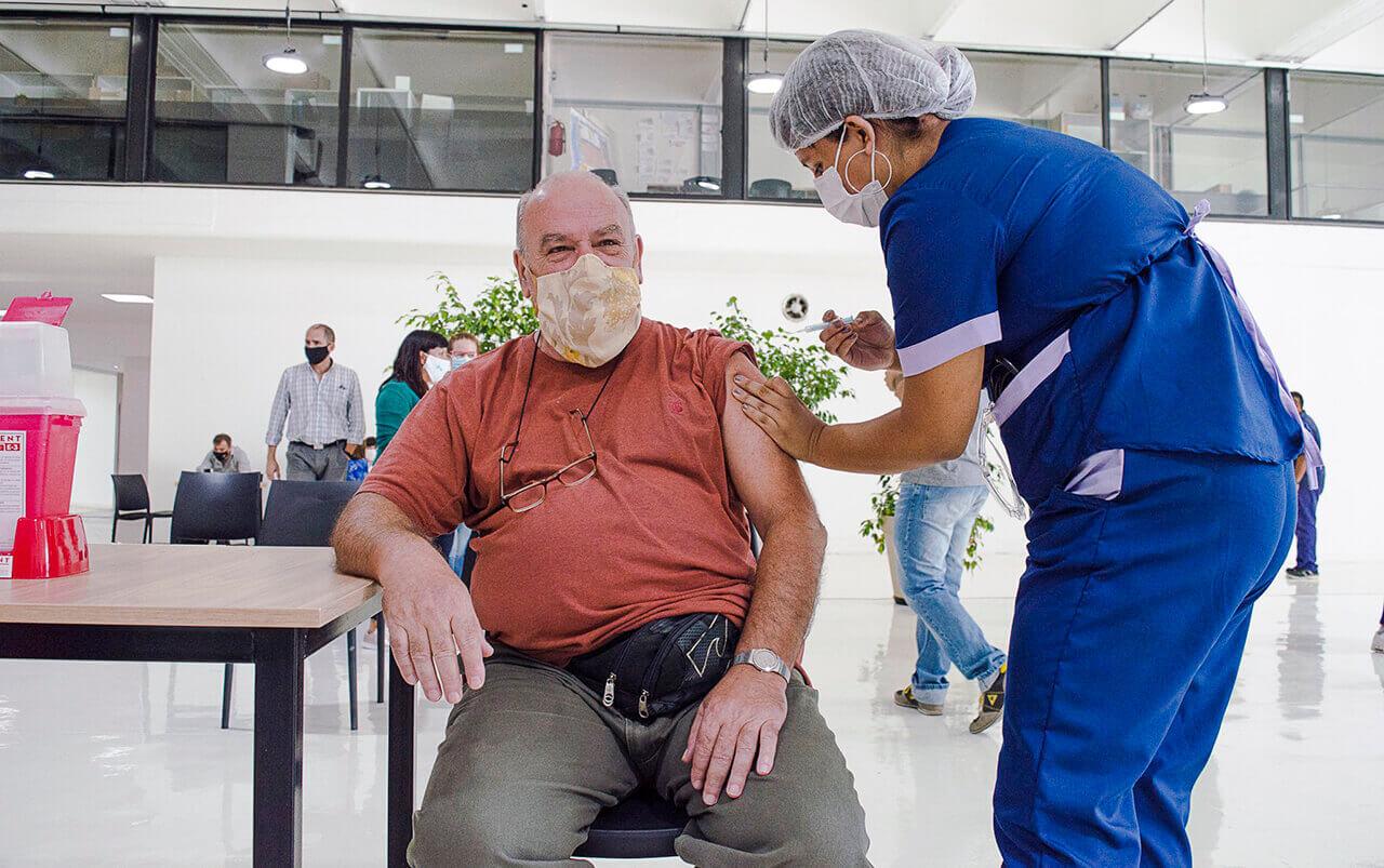 Hurlingham comenzó a vacunar