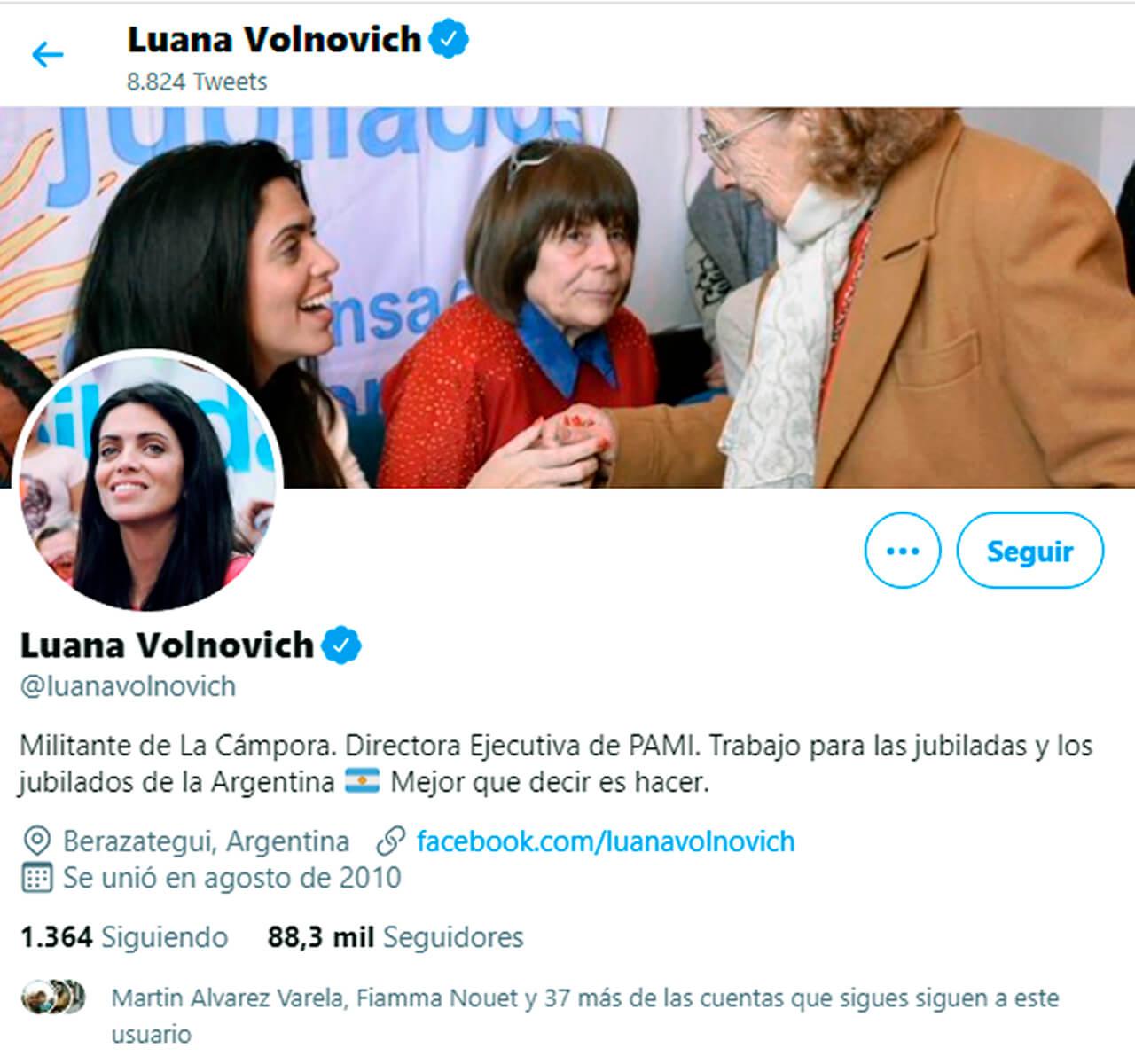 """PAMI Morón: Se vacunó la Jefa Regional Valeria Zalazar como """"Personal de Salud"""""""