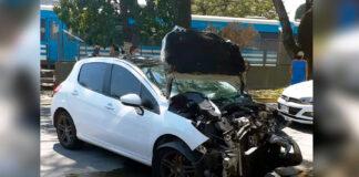 Un auto se asomó en la barrera Zapiola justo que pasaba una formación