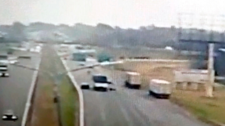 Tragedia en el Camino del Buen Ayre: Un camión, una moto y una embarazada muerta