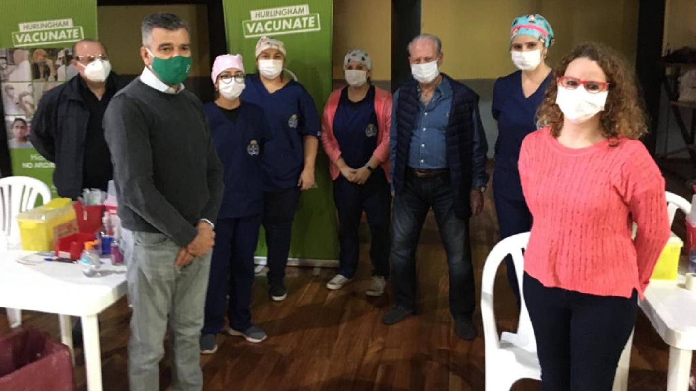 Zabaleta visitó un vacunatorio