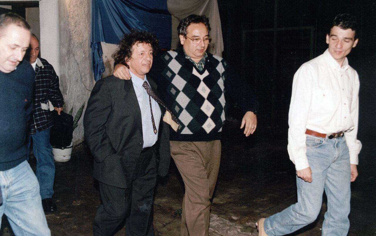 1996 - El humorista Rudy Chernicoff, Juan Meada, abrazado Horacio Román y delante Juan Zabaleta