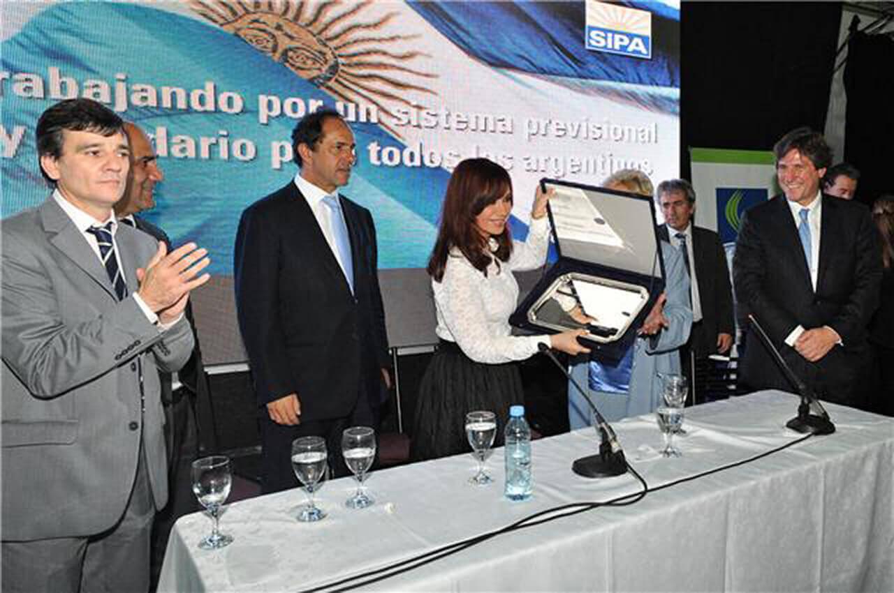 2010 - Con Daniel Scioli y Cristina Fernández