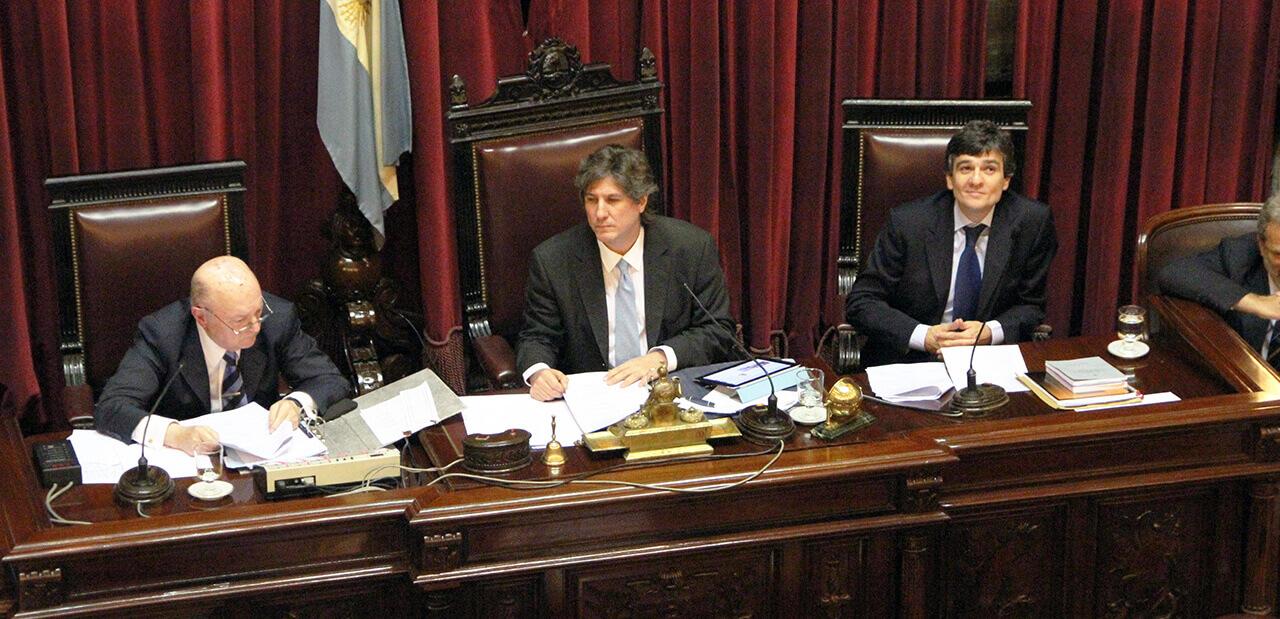 2011 - Juan Zabaleta Secretario Administrativo del Senado